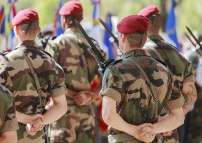 Le régiment demeure-t-il un modèle pertinent pour aborder les défis et les opportunités de demain ? Si non, quelle alternative ?
